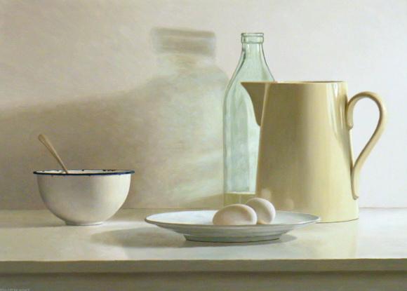 Hoofdfoto Kan, fles, kom, bord en twee eieren